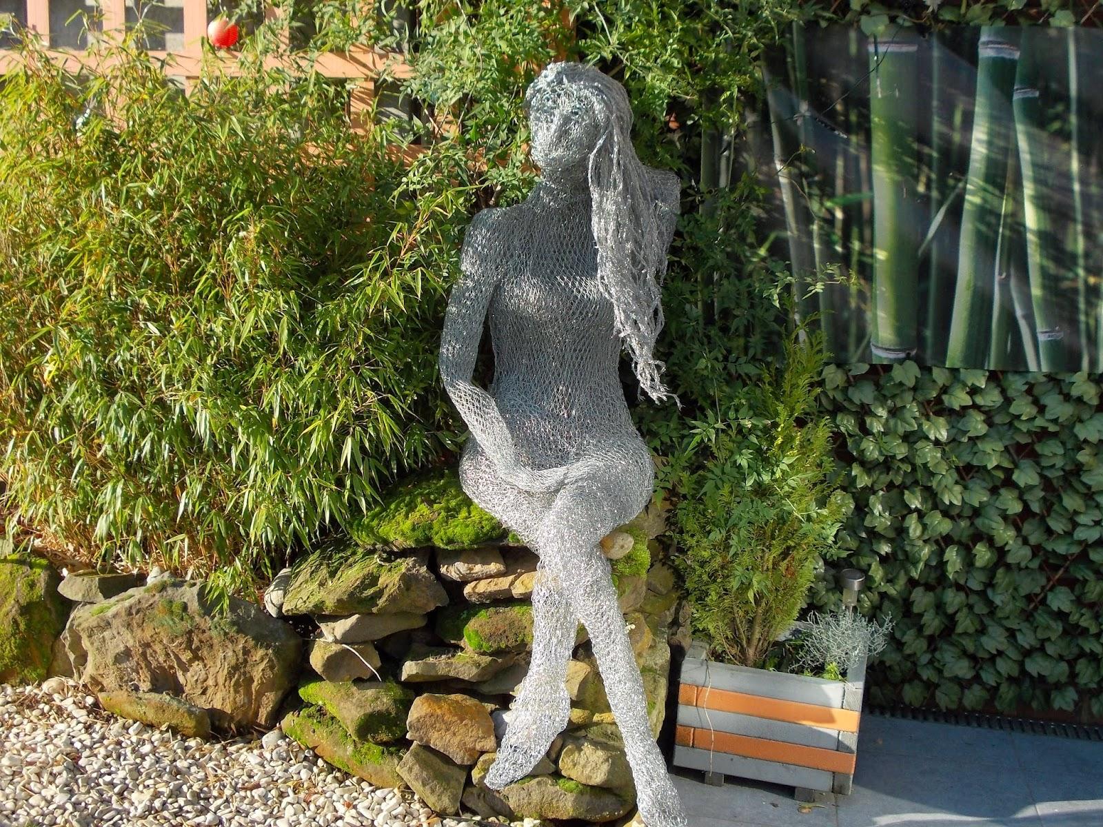 Sculpture Grillage A Poule par-delà le grillage - sculptures -: gertrude