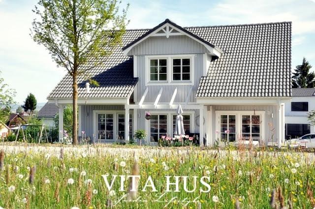 Schwedenhaus, grau, Holzhaus, weiss, Elementbauweise, schön, warm, gemütlich