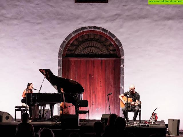 Valeria Castro conquista el corazón de La Palma sobre el escenario