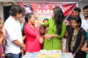 Yamini Bhaskar Birthday Celebrations-thumbnail-20