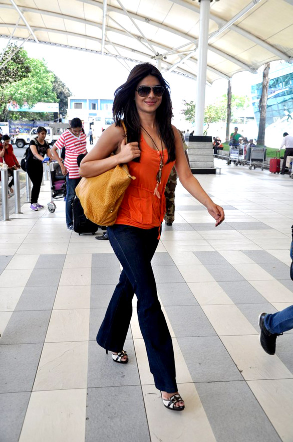 Priyanka Chopra leaves to Jaipur for her best friend's wedding gallery