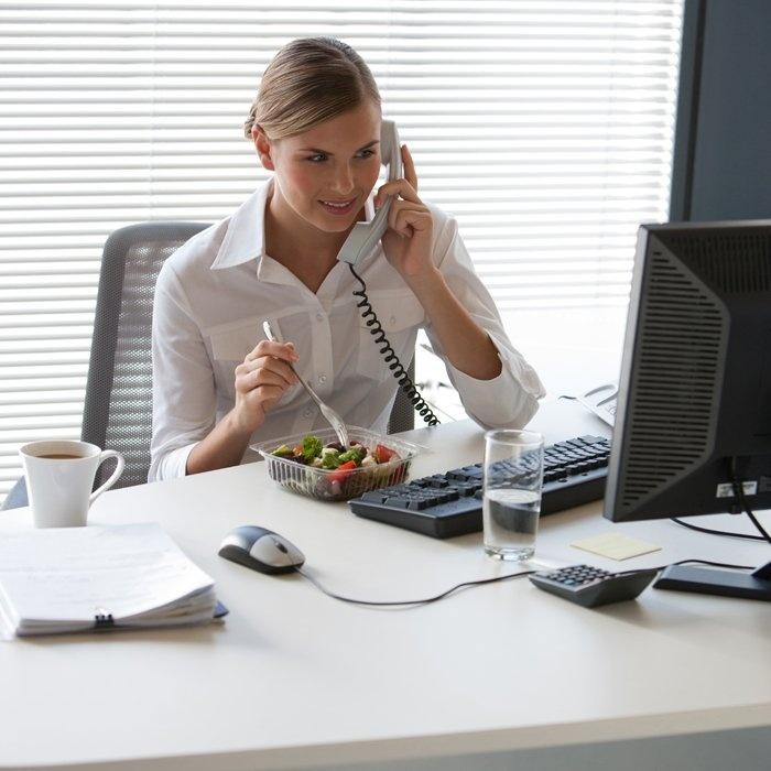 Không muốn sức khỏe bị ảnh hưởng tốt nhất bạn hãy bỏ ngay những sai lầm khi làm việc dưới đây
