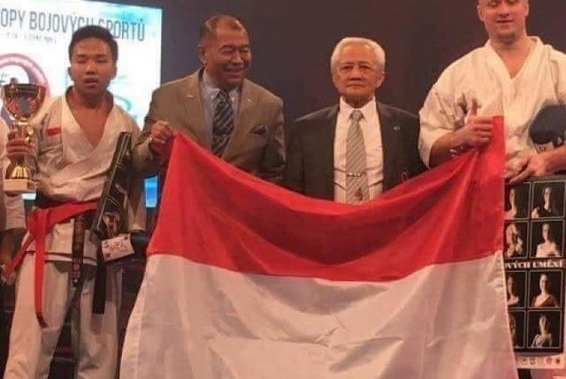 Fauzan: Juara Dunia yang Jadi Pelayan Toko Ritel
