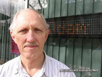 """Pastor bautista Trevor Walmsley criticado por """"antigay"""""""