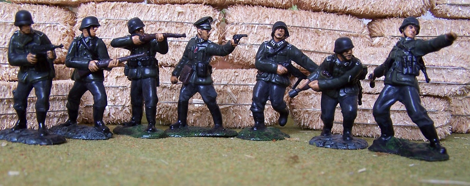 WWII Plastic Toy Soldiers: Conte Collectibles - Toy Soldiers