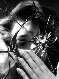 Espejo-roto-madre-agotada-hijos-discapacidad-blog