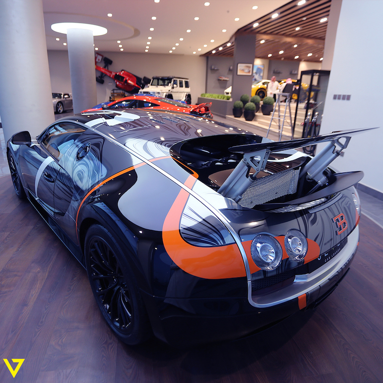 absurdly wrapped bugatti veyron super sport for sale in saudi arabia carscoops. Black Bedroom Furniture Sets. Home Design Ideas