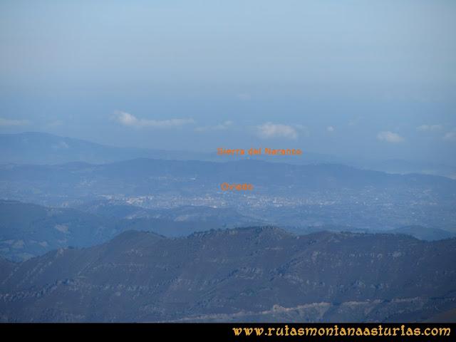 Ruta Pico Cellón, Vista de Oviedo y Sierra del Naranco desde la cima del Cellón