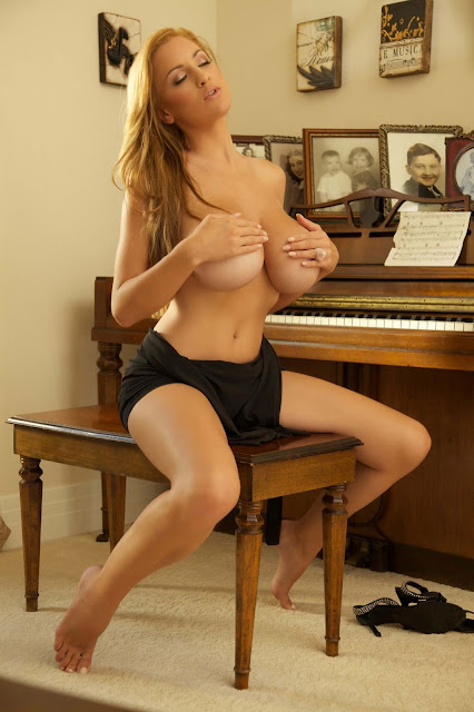 sexy-Jordan-Carver-Symphony-5th-hot-Photoshoot-HD-Pic-19