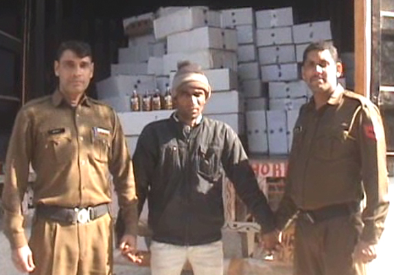 203 bottles of English liquor recovered from Uttar Pradesh after smuggling secret cabin in Canterbury in Faridabad