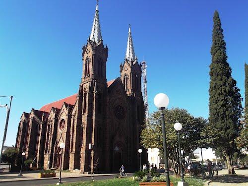 Catedral de Pedra de Nossa Senhora da Oliveira