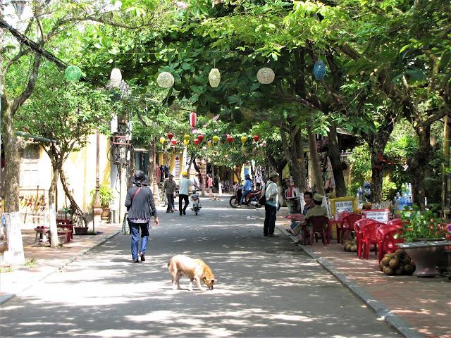 streets hoi an vietnam