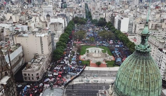 La represión de Bullrich y Larreta quiso tapar la inmensa movilización contra el ajuste