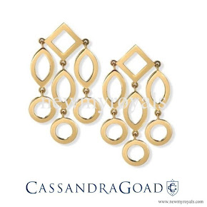 Kate accessorised with her Cassandra Goad Temple of Heaven earrings