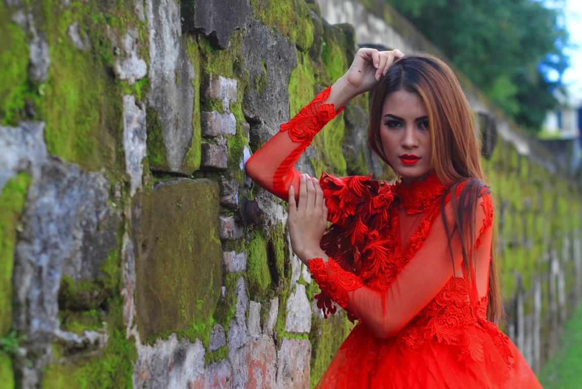 Hunting konsep foto model cantik igo Cinta Rarung model rambut wanita