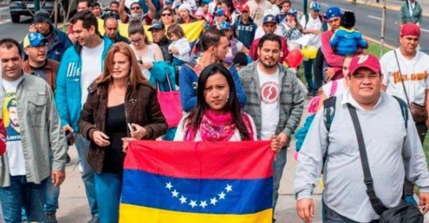 Perú evalúa ingreso de venezolanos con pasaportes