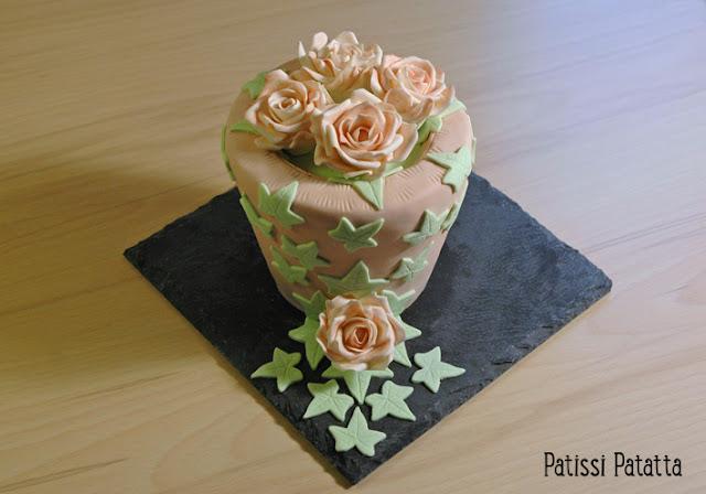 cake design, gâteau 3D, gâteau romantique, pâte à sucre, fondant,  gumpast, roses en pâte à sucre, roses en gumpast, fondant roses, perles, perles en pâte à sucre, gâteau fleuri, gâteau rigolo, gâteau fête des mères, gâteau de fête, gâteau décoré, gâteau magnifique, gâteau original,