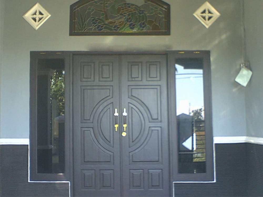 STIKER KACA: Jendela Rumah Minimalis