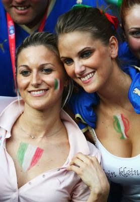 World Cup Brazil 2014: sexy hot girls football fan, beautiful woman supporter of the world. Pretty amateur girls, pics and photos   Italia italianas