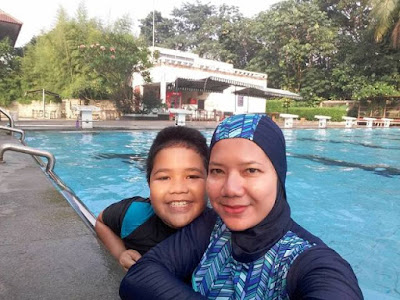 kursus renang di amaraish swimming school kolam hotel bumi wiyata margonda depok nurul sufitri travel lifestyle blogger review