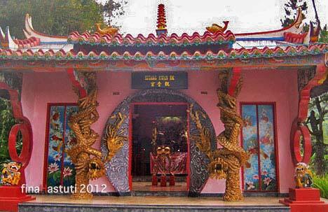 vihara buddhayana tomohon sulawesi utara