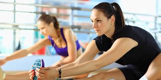 Apakah Anda seorang pemula atau Anda sudah andal dalam berolahraga Cara Pemanasan & Peregangan yang Benar Sebelum Olahraga