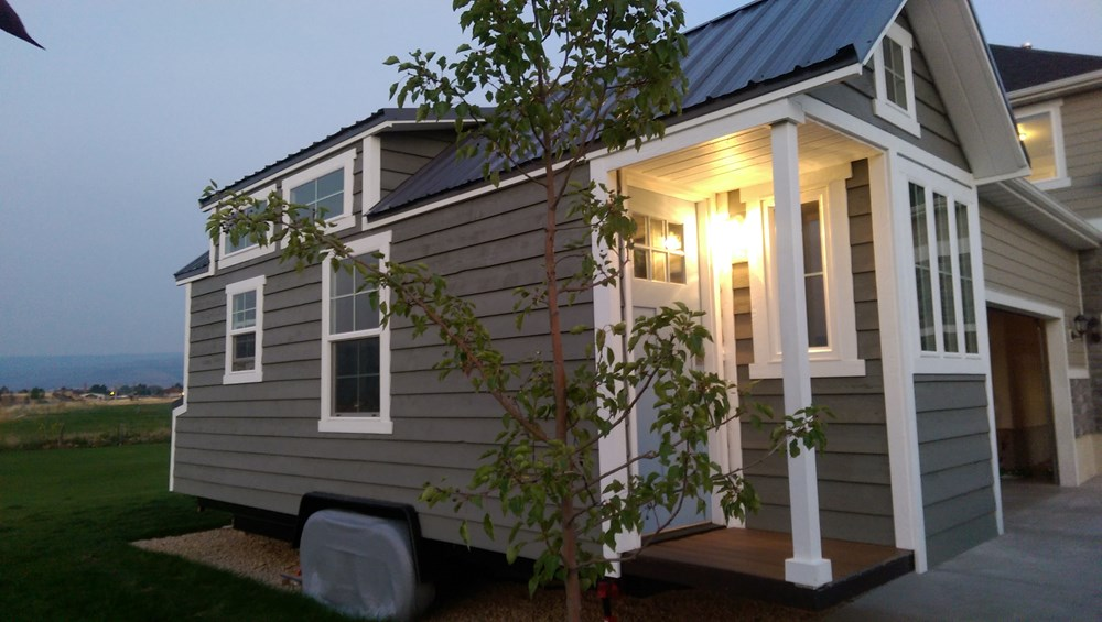 Tiny Home Designs: TINY HOUSE TOWN: Heber City Tiny Home (240 Sq Ft