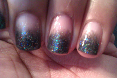Sponged, gradient, charcoal, glitter, frenchie, french tip, nail art, mani
