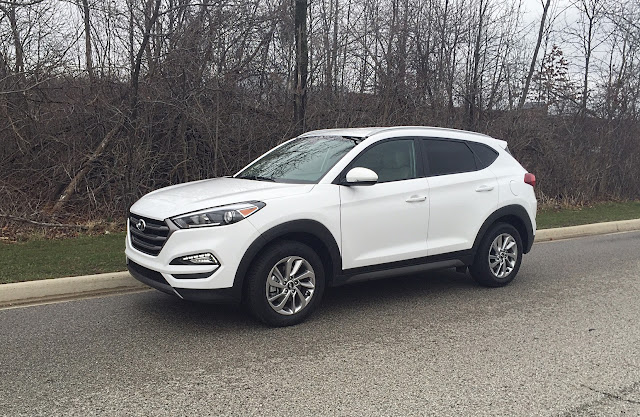 mommy 39 s favorite things 2016 hyundai tucson eco awd. Black Bedroom Furniture Sets. Home Design Ideas