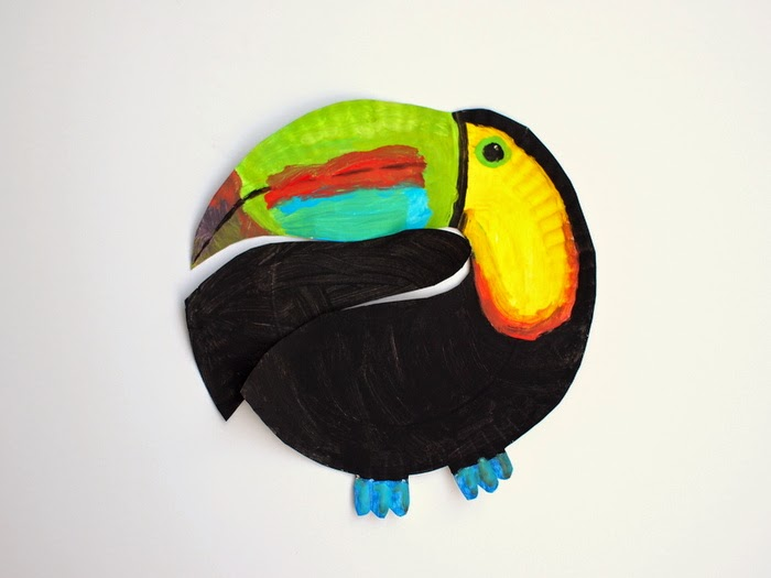 Make a paper plate toucan
