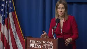 Ksénia Sobchak a du mal à s'imposer aux Etats-Unis dans - ECLAIRAGE - REFLEXION sobchak%2Bus%2B2