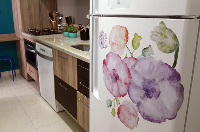 antes-depois-geladeira-adesivo-vinilico
