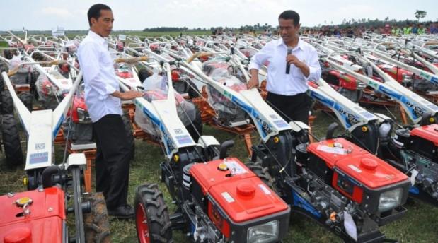 'Ngelindur' Gaji Petani dan Janda