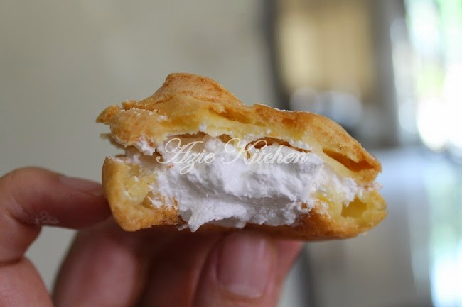 Cream Puff with Fresh Cream Choux Pastry