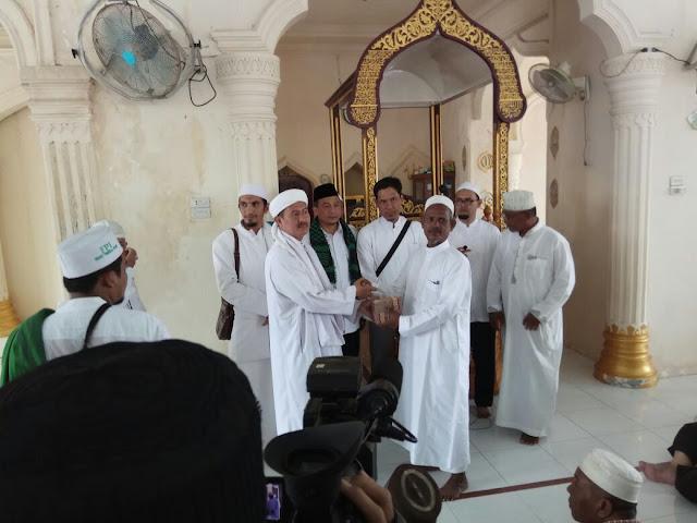 GNPF-MUI Serahkan Dana Bantuan Rp500 Juta kepada Korban Gempa Aceh