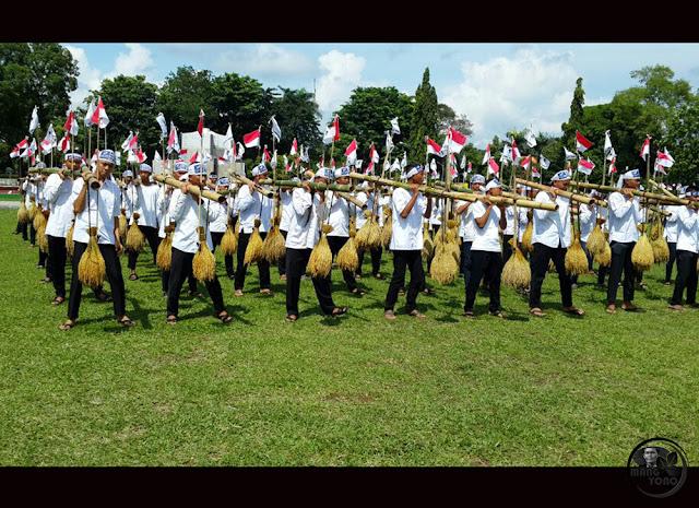 Seni Rengkong memecahkan rekor MURI di HUT Kabupaten Subang ke-68, Tahun 2016