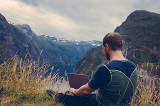 Top 10 Tools for A Digital Nomad to Increase Productivity