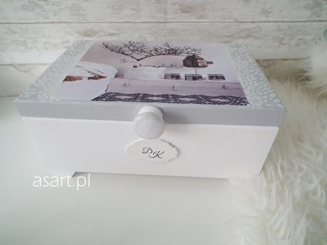 szkatułka na bizuterie