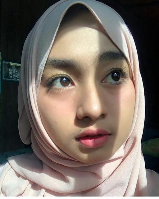 Cute hijaber From Magelang