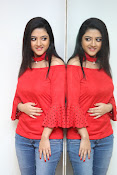 shriya sharma latest glam pics-thumbnail-4