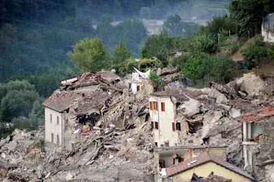 Pescara del Tronto, Accumoli, Amatrice, földrengés, Olaszország, természeti katasztrófa,