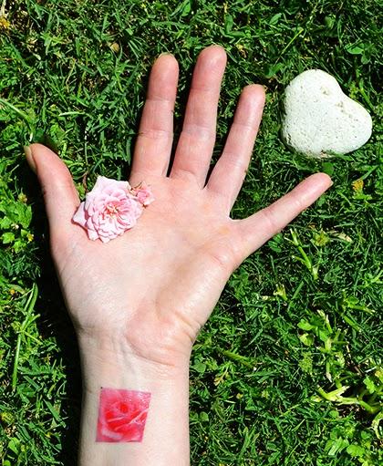 Temporary tattoo by Picattoo - shewandersshefinds.com