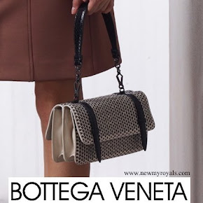 Queen Rania Carried Bottega Veneta Bag from Resort 2016 Collection