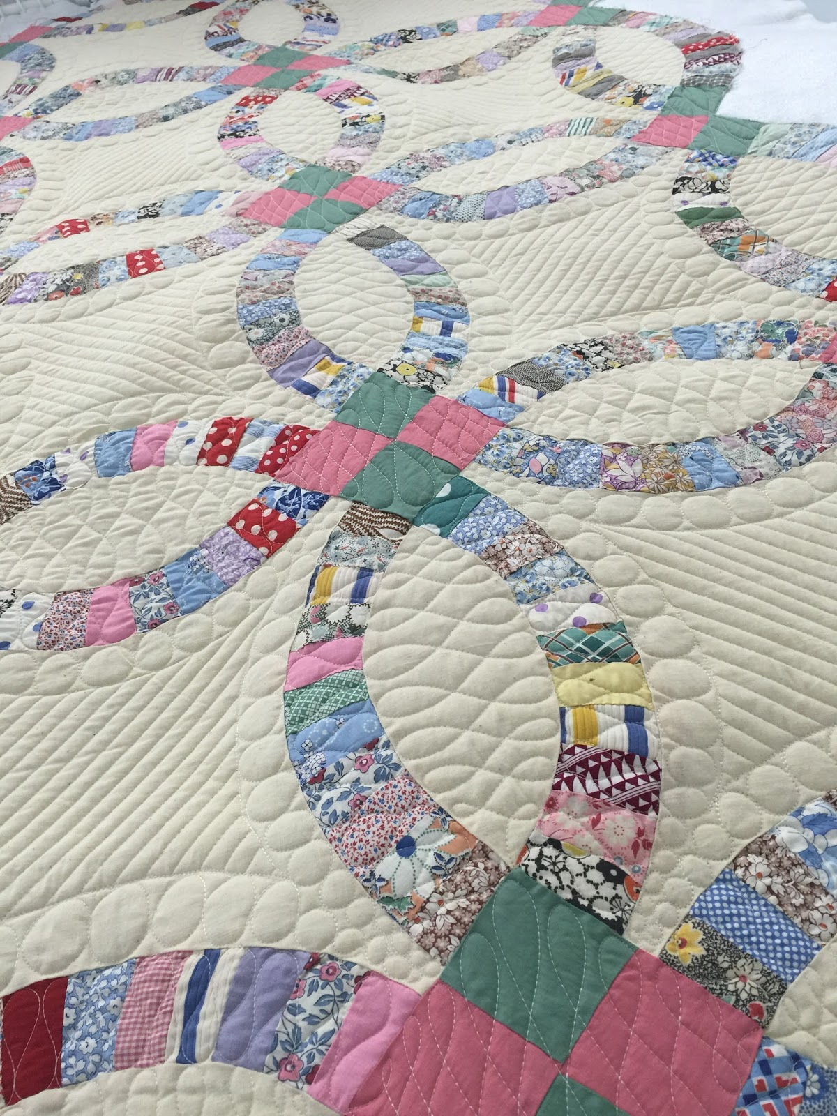 Quilting Designs For Wedding Ring Quilts : Kustom Kwilts and Designs: Longarm quilting a double wedding ring quilt