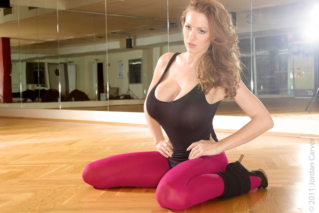 Jordan-Carver-Flash-Dance-Cute-and-sexy-Photoshoot-Image-16