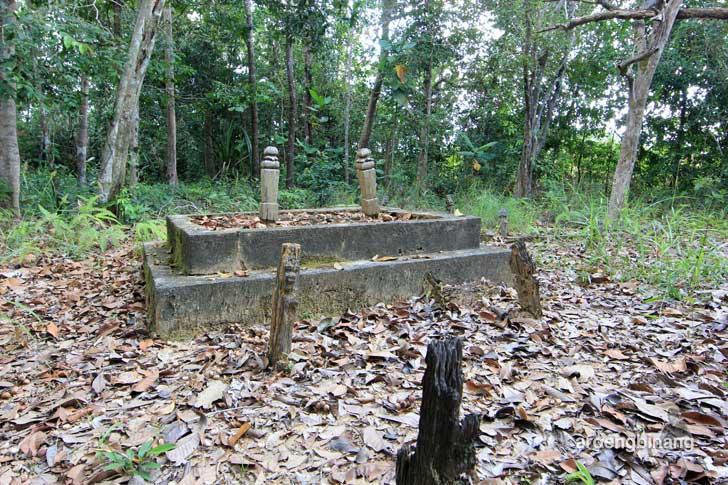 makam ka loesoh belitung timur