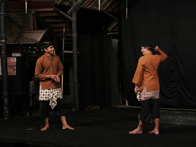 contoh-teater-tradisional