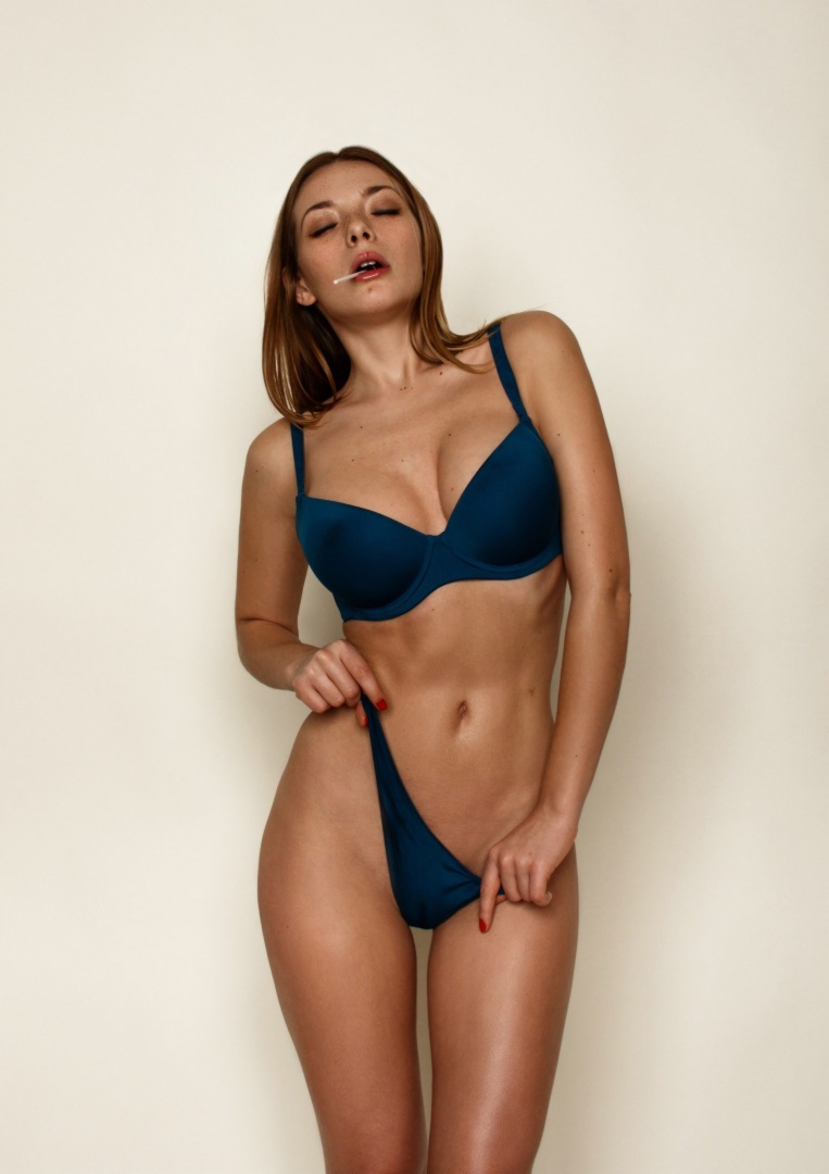 Sexy Nude Bikini Models