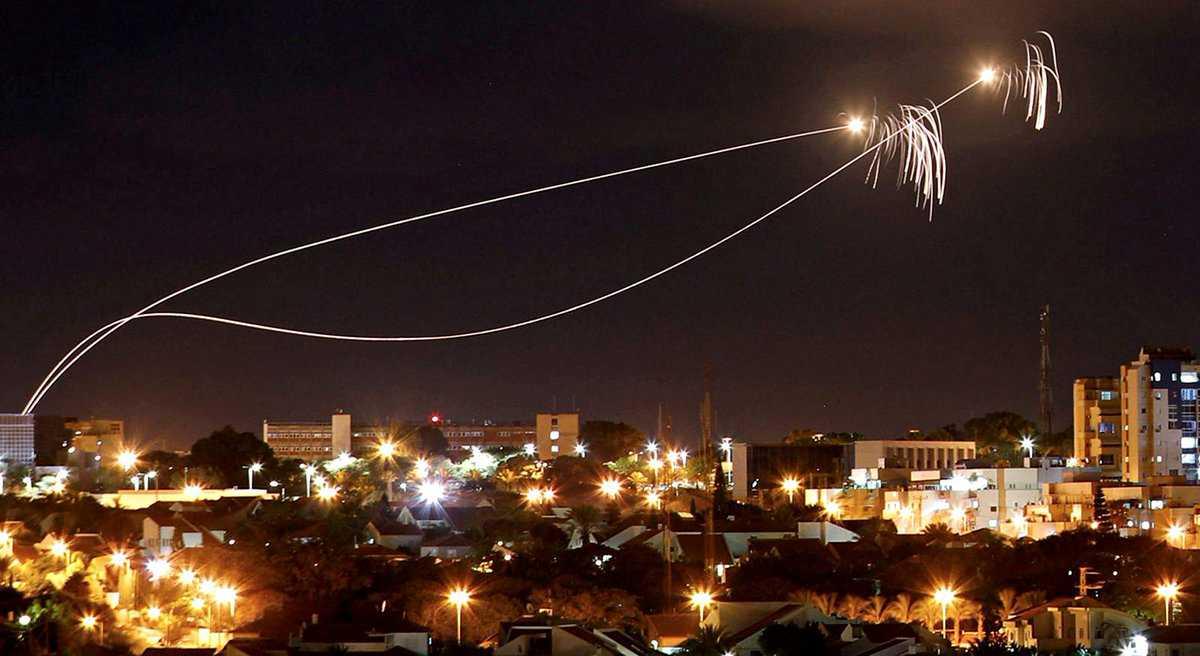 Mengapa sistem Iron Dome Israel hanya mencegat sedikit roket militan Gaza