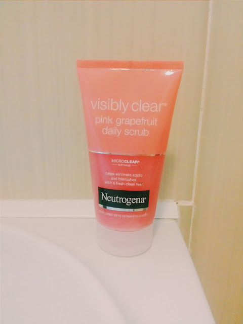 Neutrogena Visibly Clear Pink Grapefruit Daily Scrub